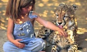 Девочка-маугли из Франции: счастливое африканское детство
